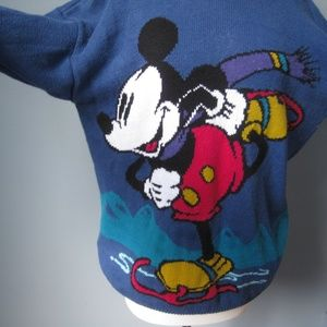 Vintage 1980s Mickey Mouse Winter Scene sweater